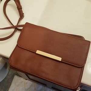 Caramel purse with straps and detachable wallet